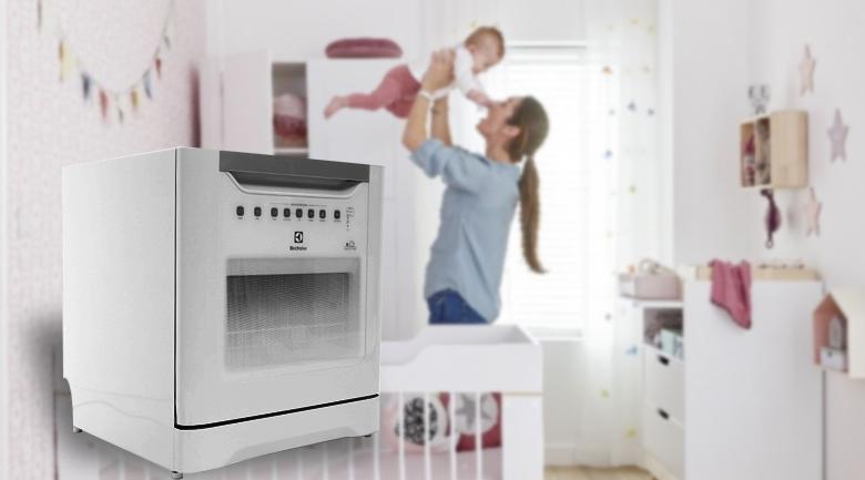 Máy rửa chén Electrolux ESF6010BW 1480W - 6 chương trình rửa